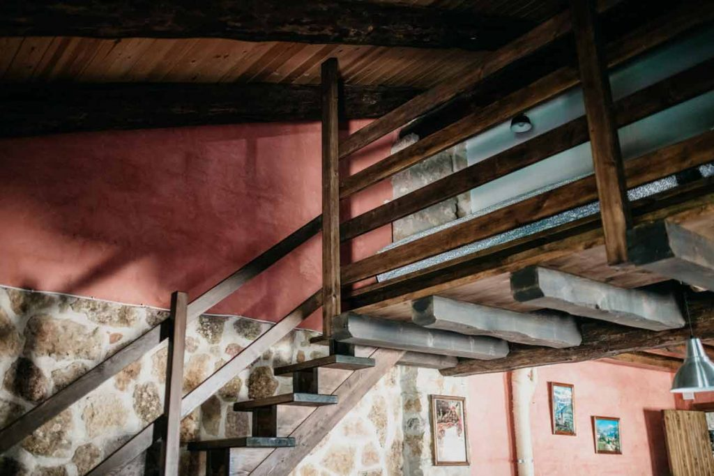 escaleras-altillo-casa-rural